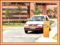 Venta de barreras automaticas levadizas para garages y peajes.